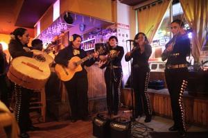 mariachi24k-1-web